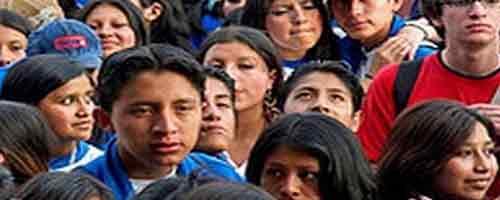 """Imagen-Los jovenes """"espanolatinos"""", atrapados entre dos mundos"""