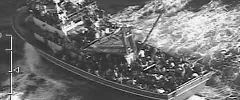 Imagen-Crucero va al rescate de cientos de inmigrantes en aguas de Chipre