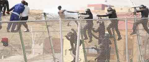 """Imagen-Bruselas dice que Espana """"no aplica"""" la norma europea de expulsion de inmigrantes en Ceuta y Melilla"""